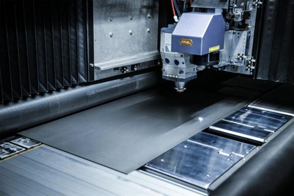 machine découpe laser industriel
